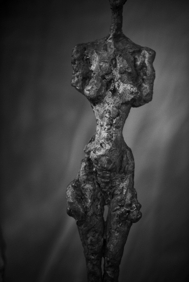 PETER LINDBERGH Alberto Giacometti, Femme debout (Poseuse I) (1954), Zurich, 2016, 2016 Hahnemuhle Photo Rag Baryta 315 grs 35 7/16 x 23 5/8 inches 90 x 60 cm