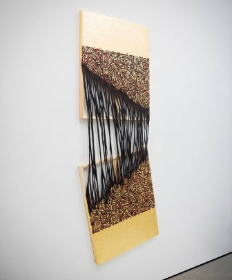 Viscous Script IV, Sasan Nasernia, 2018, Acrylic and gold leaf on canvas, exposed wooden stretcher, 185 x 65 x 4.5 cm. Image courtesy Emergeast