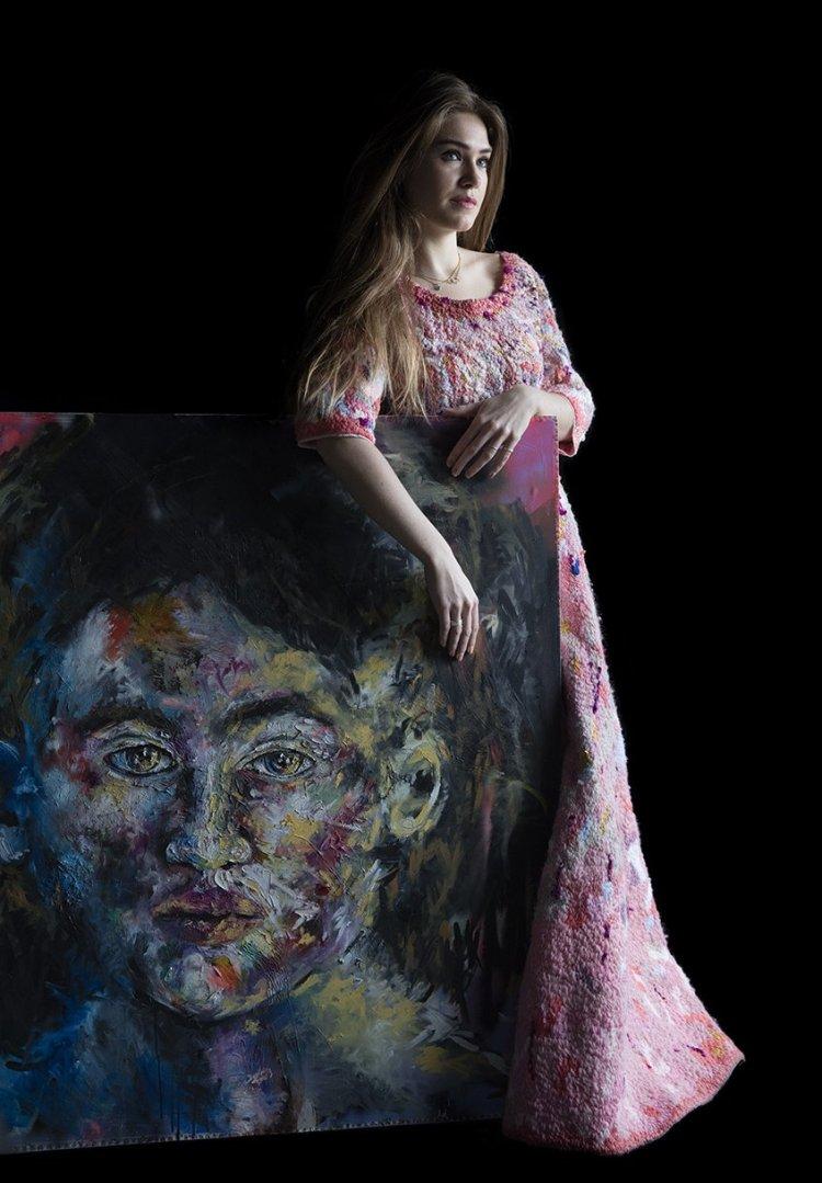 1. Jade can der mark Artfully Dressed by Carla van de Puttelaar